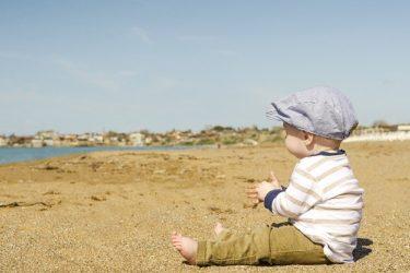 昔は必要なかった…赤ちゃんに日焼け止めは必要?いつからで選ぶポイントは?